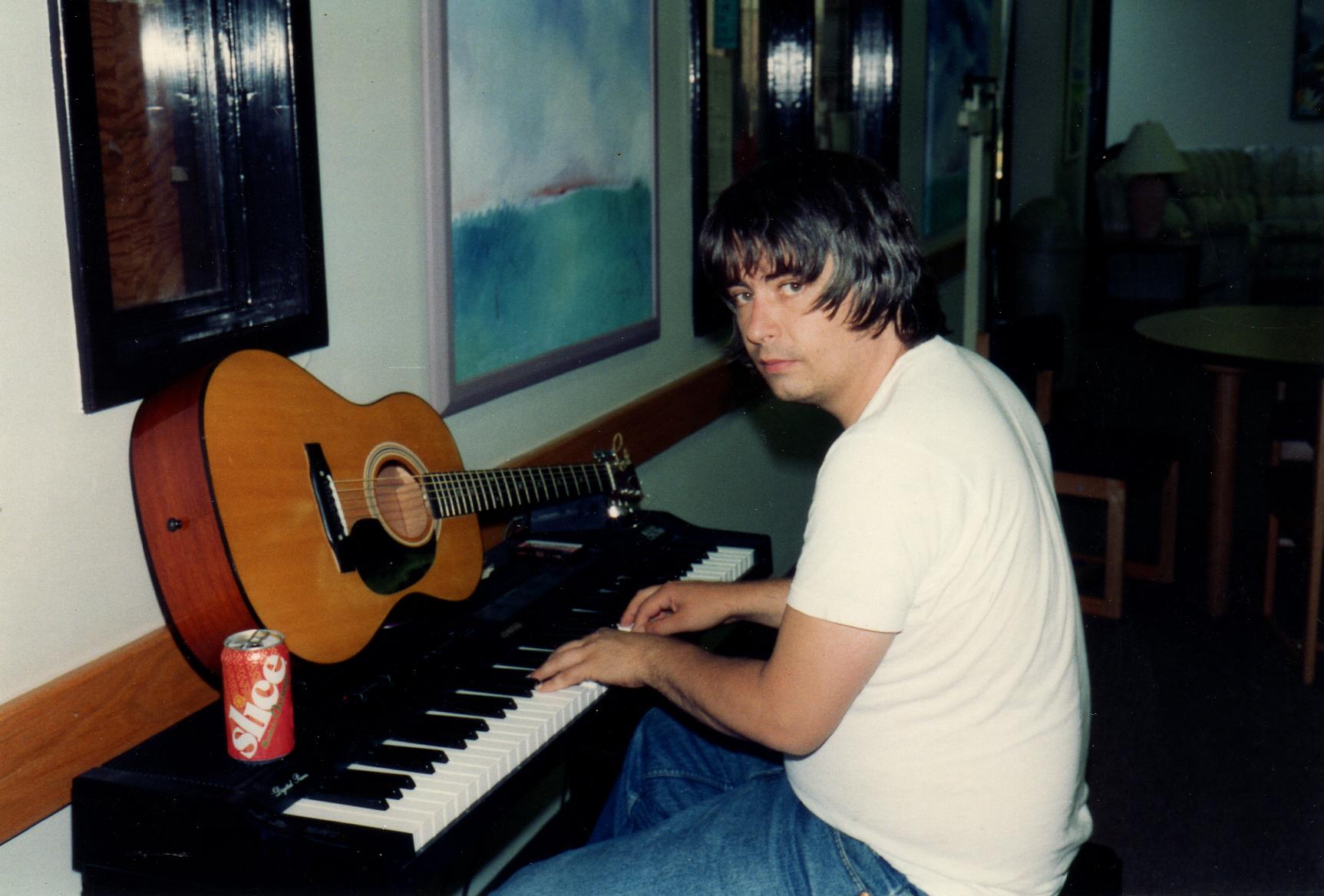 Daniel_Piano_Shoulder